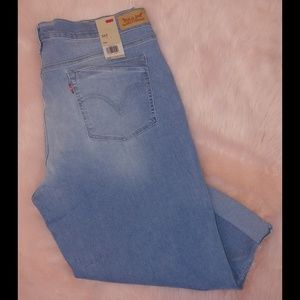 Levi's Jeans - Levi's 515 light wash Capri cropped jeans nwt